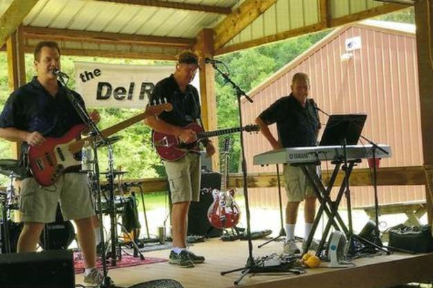 The Del Rays Perform Live At Mole Lake Casino In Crandon Wisconsin